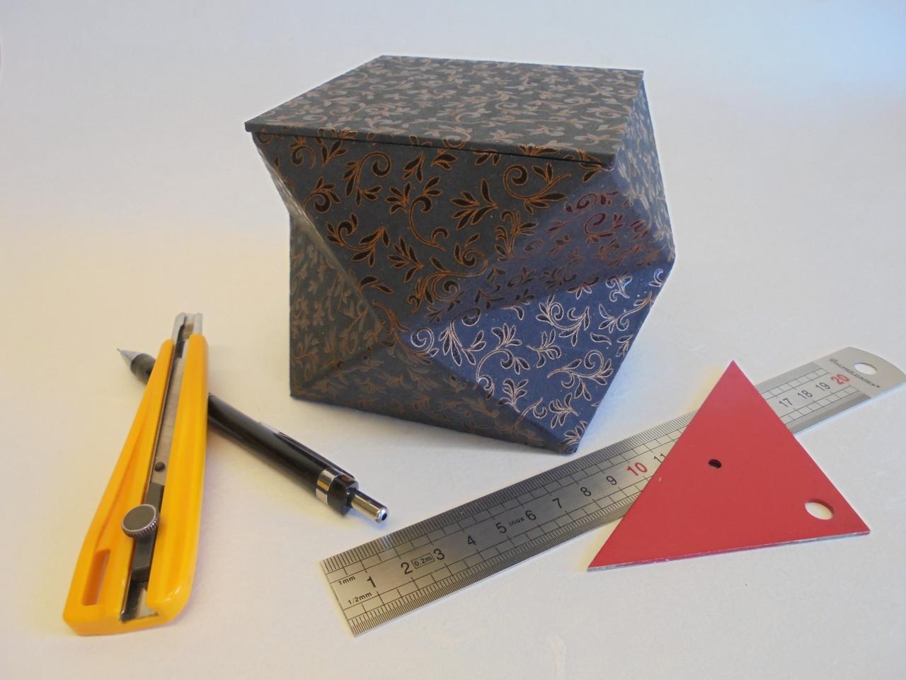 materiel cartonnage et boite a facettes